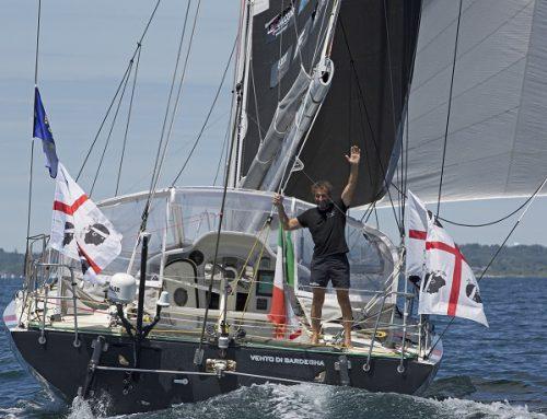 Andrea Mura premiato per la vittoria nella OSTAR 2017